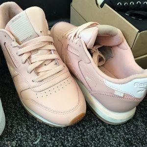 Shoes - REEBOK PINK ATI